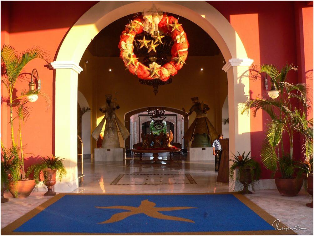 Der Eingangsbereich vom Iberostar Praia do Forte ist der erste Eindruck, den wir bei Ankunft erhalten.