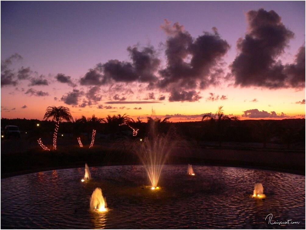 Ein ganz normaler Sonnenuntergang beim Hotel
