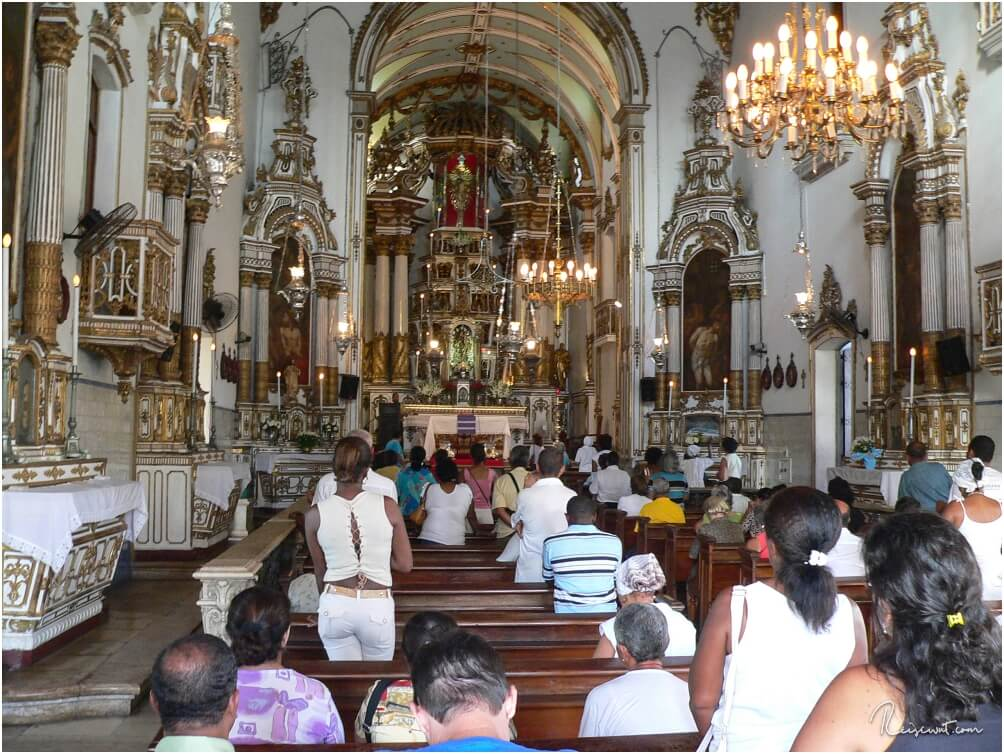 Der Gottesdienst in der Igreja do Bonfim ist schon recht beeindruckend