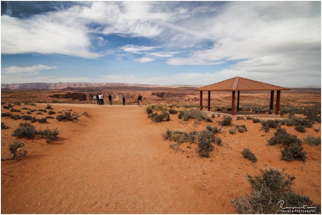 """Verschandelung mitten in der Natur, ein """"Unterstand"""" für Sonnengeplagte Touristen"""