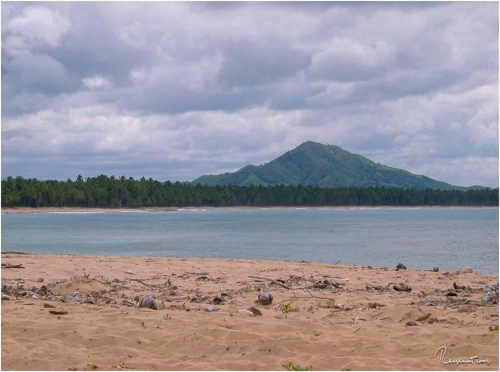 Die Laguna Redonda, im Hintergrund der Berge Bosque, auf dem wir vorher noch nach hier unten geblickt haben