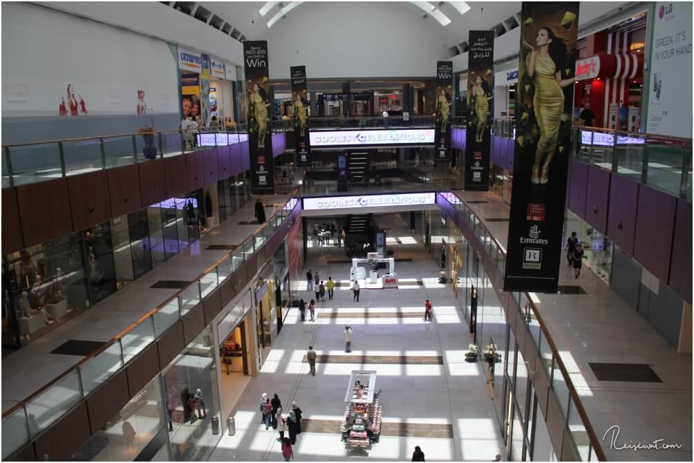 Einkaufspassage in der Dubai Mall