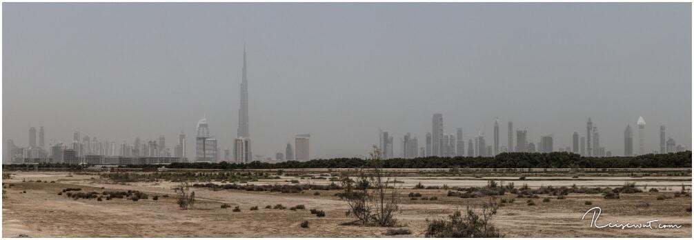 Größenvergleich des Burj Khalifa zu den restlichen Gebäuden in Dubai