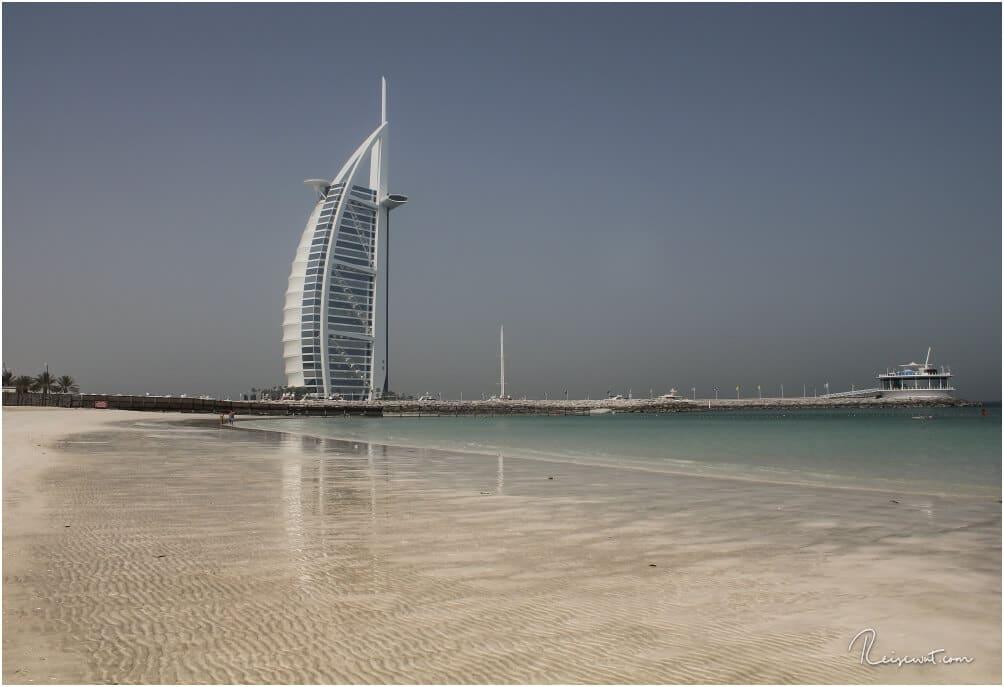 Das Burj Al Arab in Dubai, eines der wenigen 7*-Hotels der Welt