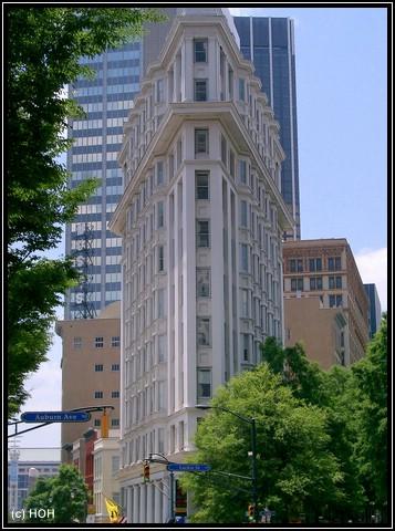 Baujahr 1897 ... das English American Building, oder auch Flat Iron Building