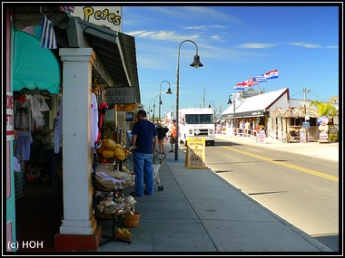Dodecanese Blvd. ... die Tourimeile in Tarpon Springs