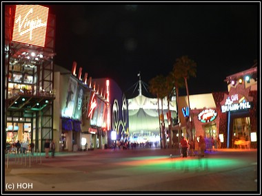 Abends halb 10 in ... Downtown Disney