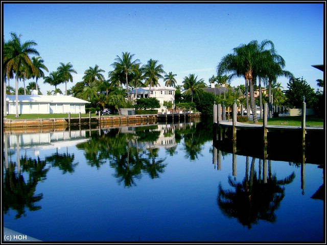Wasserkanal in Ft.Lauderdale ... mit schöner Wasserspiegelung