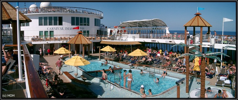Der Mainpool der Carnival Imagination