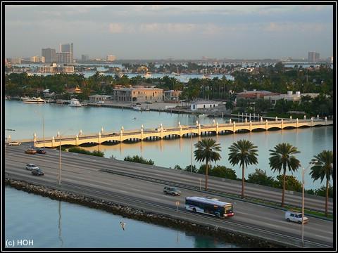 Noch ein letzter Blick vom Oberdeck über Miami am frühen Morgen