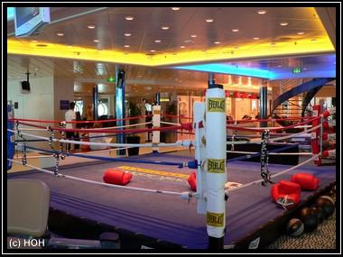 Fitness-Studio mit Boxring
