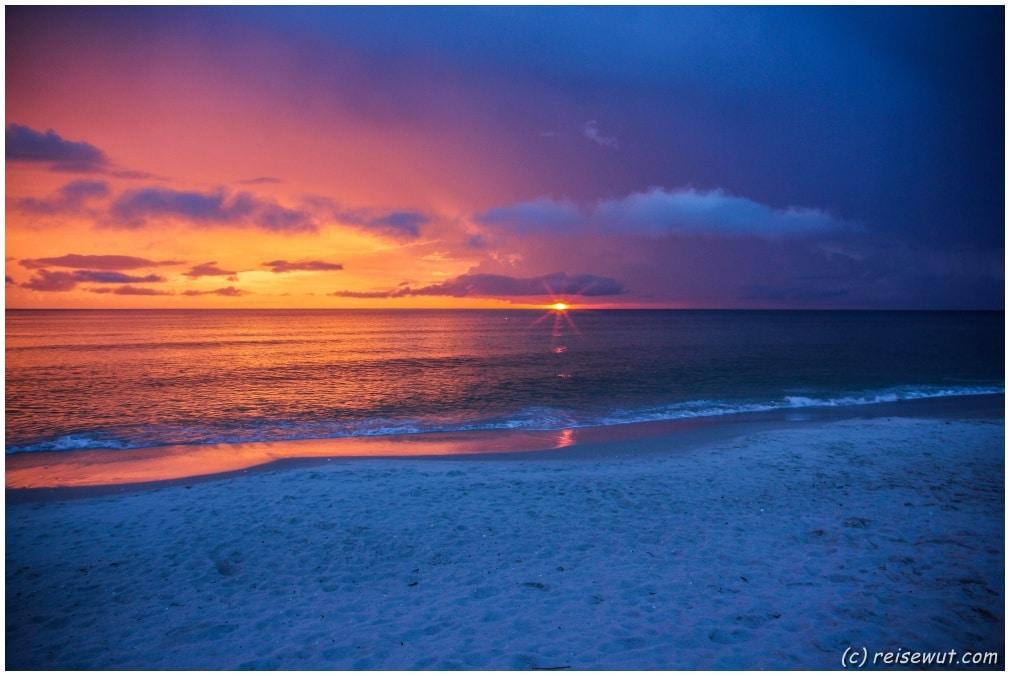 Fast schon zu kitschig geht die Sonne heute im Golf von Mexiko unter