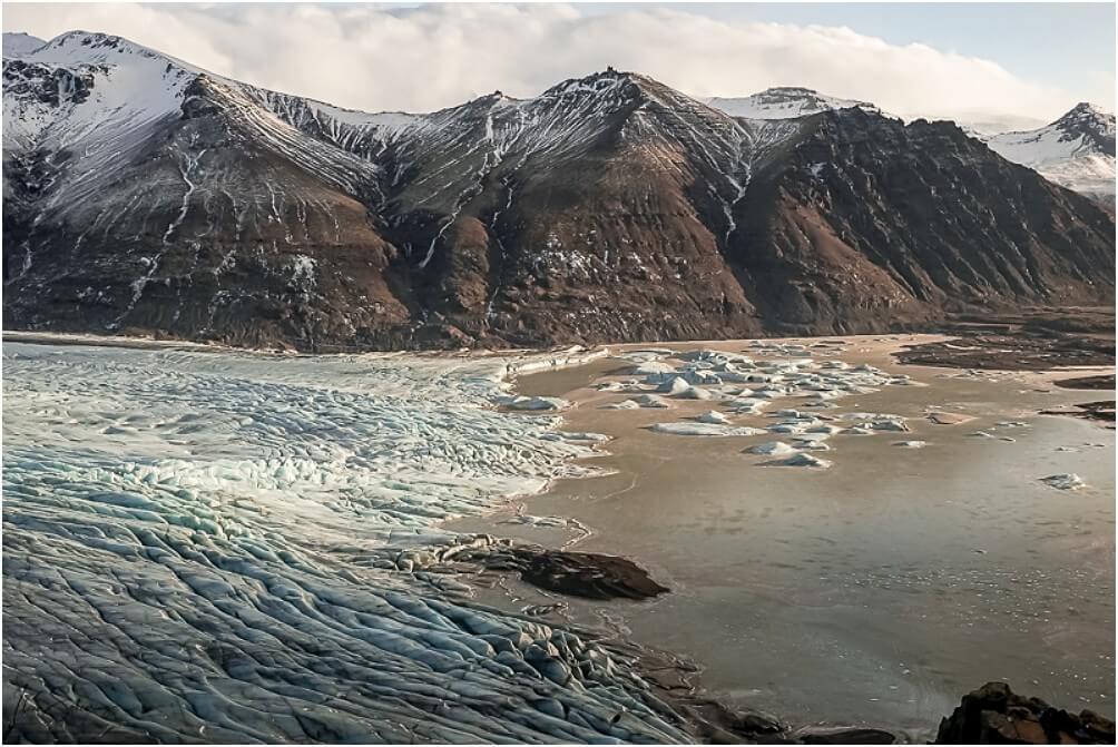Was für eine gigantische Aussicht von oben auf den Skaftafellsjökull