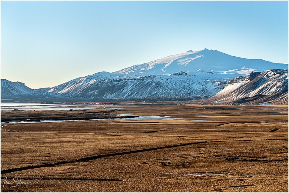 Ein seltener Anblick, der Snæfelsjökull ohne Wolken