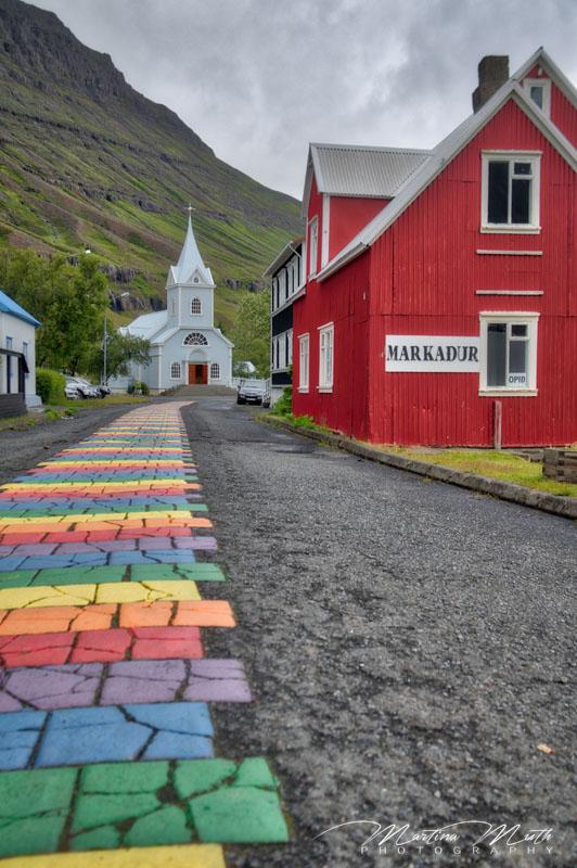 Die wohl bekannteste Straße in Seyðisfjörður