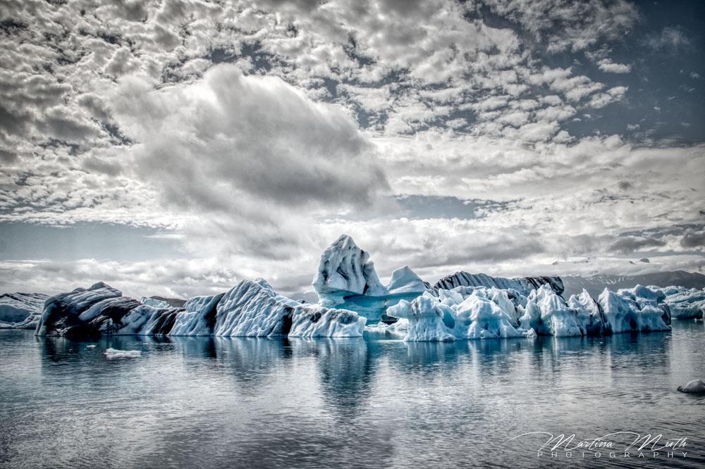 Immer wieder schön, im Wasser treibende Eisberge an der Jökulsárlón Gletscherlagune