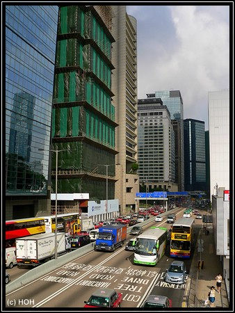 Connaught Road - Central zur Rush Hour