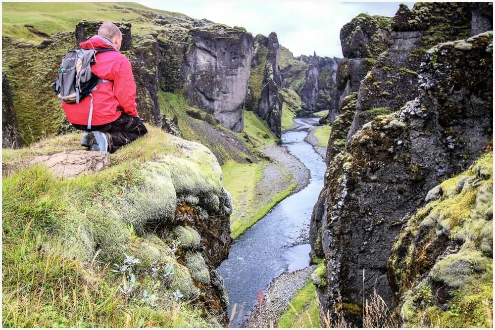 Damals gab es noch keine Absperrungen am Fjaðrárgljúfur Canyon. Heute sind solche Fotos nicht mehr erlaubt.