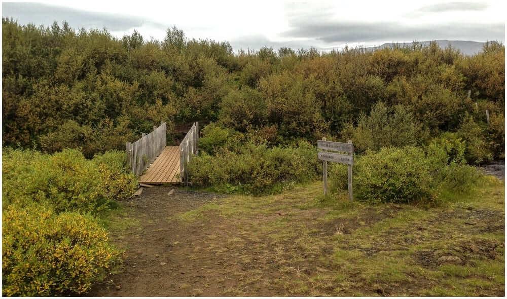 Der Weg zum Bruarfoss ... die erste Brücke