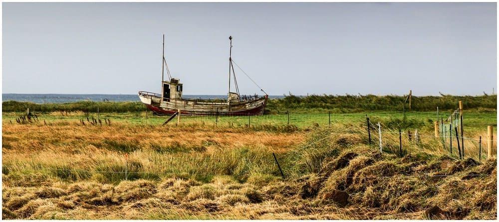 Schiffswrack an Land