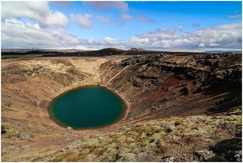 Der Vulkansee Kerið ist einer der wenigen Orte entlang der Route und auf ganz Island wo Eintritt fällig wird