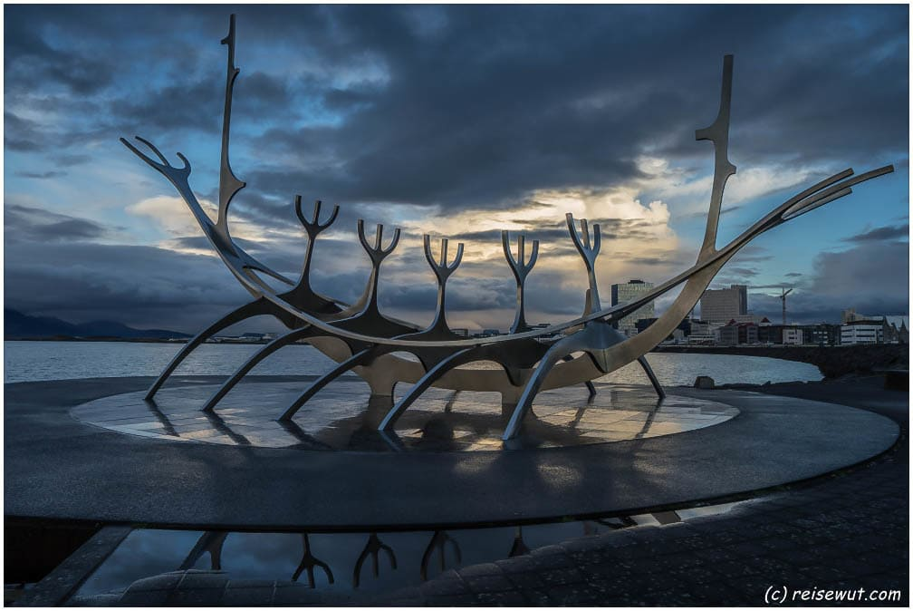 Sun Voyager Statue