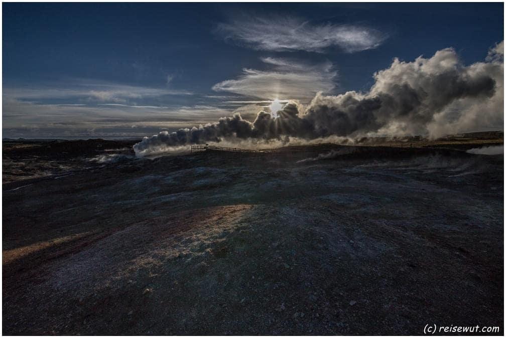 Gunnhuver Geothermal Area im Morgenlicht
