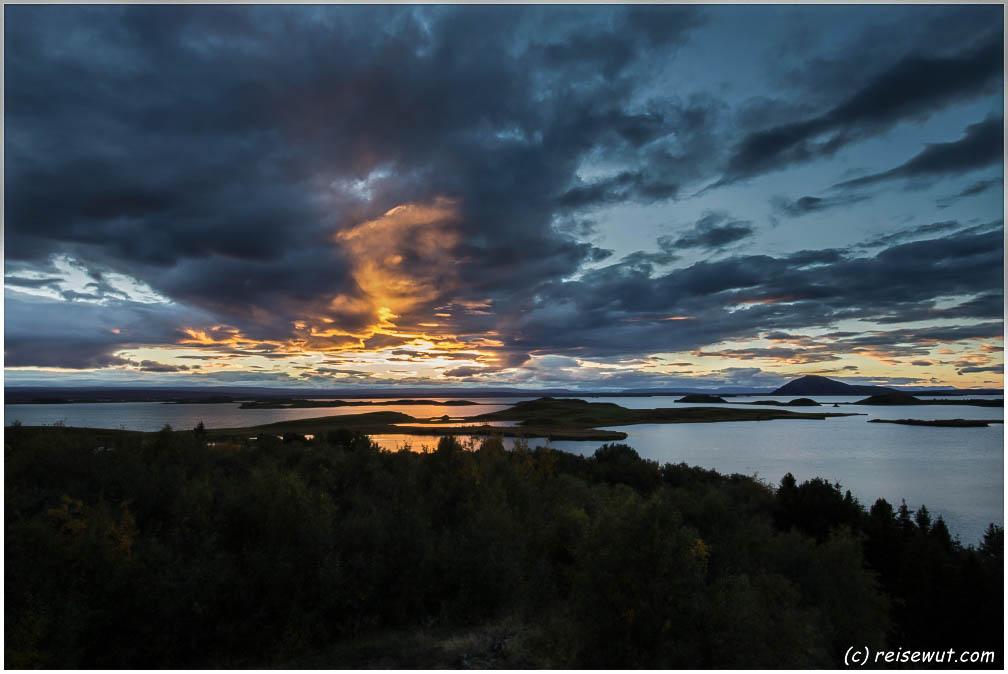 Ein Sonnenuntergang hier am Mývatn ist fast schon wie ein 6er im Lotto