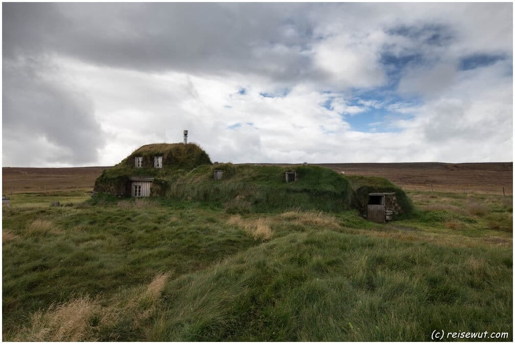 Der Hof Sænautasel liegt genau genommen eigentlich bereits im isländischen Hochland