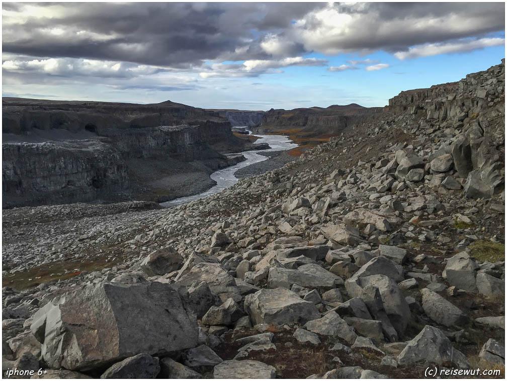 Der Norden ist teils deutlich karger und bei weitem nicht so grün wie der Süden Islands