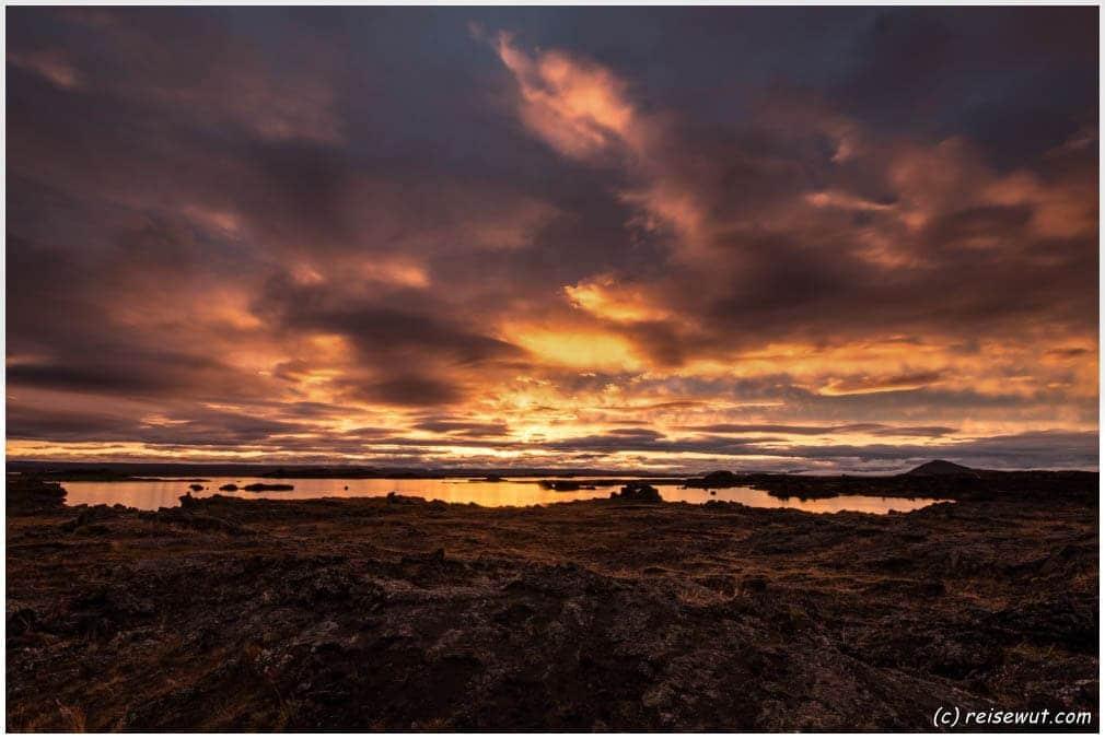 Sonnenuntergangs-Explosion am Myvatn