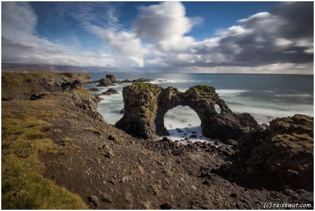 Der Gattklettur Sea Arch