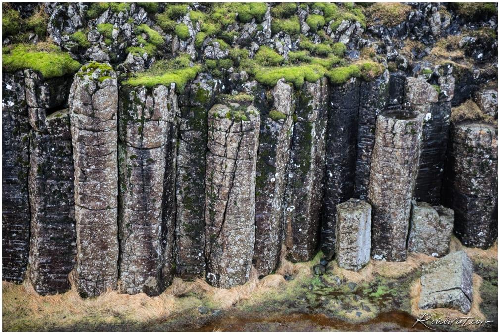 Dverghamrar Basalt Columns aus der Nähe