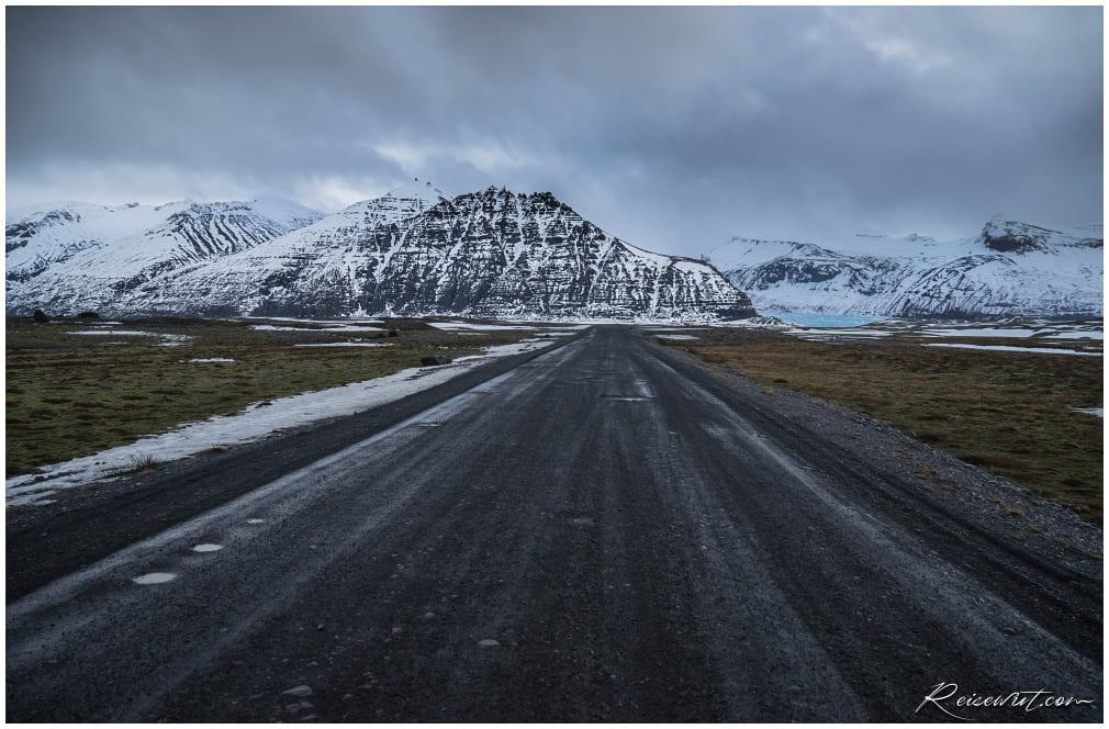 Zufahrt über die oftmals schlechte Schotterpiste zum Svinafellsjökull