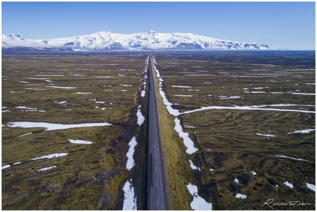Die Ringstraße mit Blick zurück in Richtung Skaftafell National Park