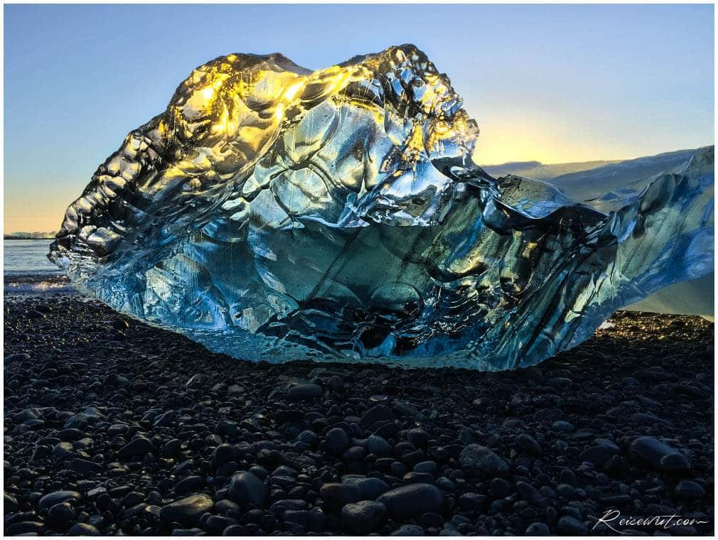 Goldenes Eis am Diamond Beach