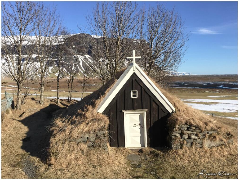 Die kleine Kirche von Nupsstadur