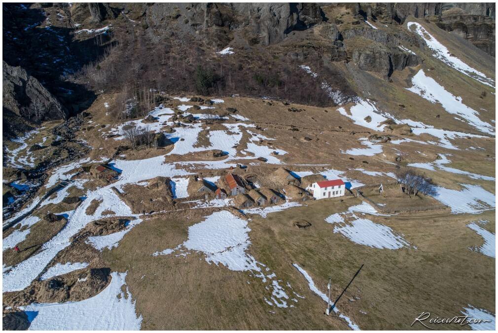 Núpsstaður aus der Luft, aufgenommen im März