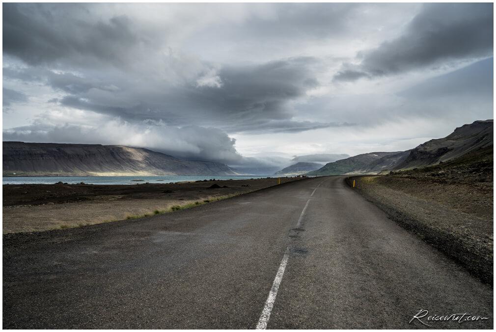 Auf dem Weg in die Westfjorde, hier noch relativ am Anfang, kurz vorm Hótel Bjarkalundur