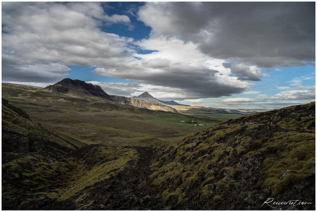Blick in die Umgebung vom Grabrok Krater aus