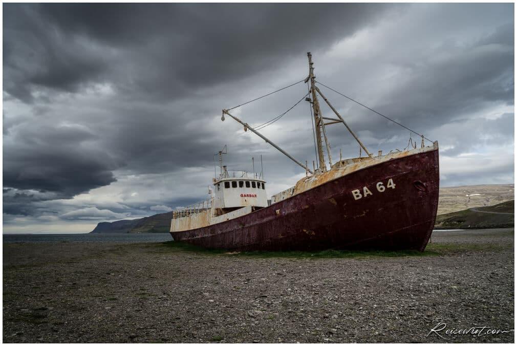 BA 48 Schiffswrack Westfjorde