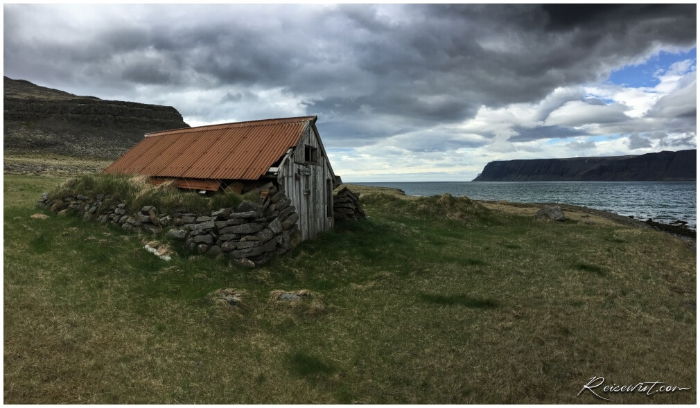 Alte Hütte entlang des Patreksfjoerdur