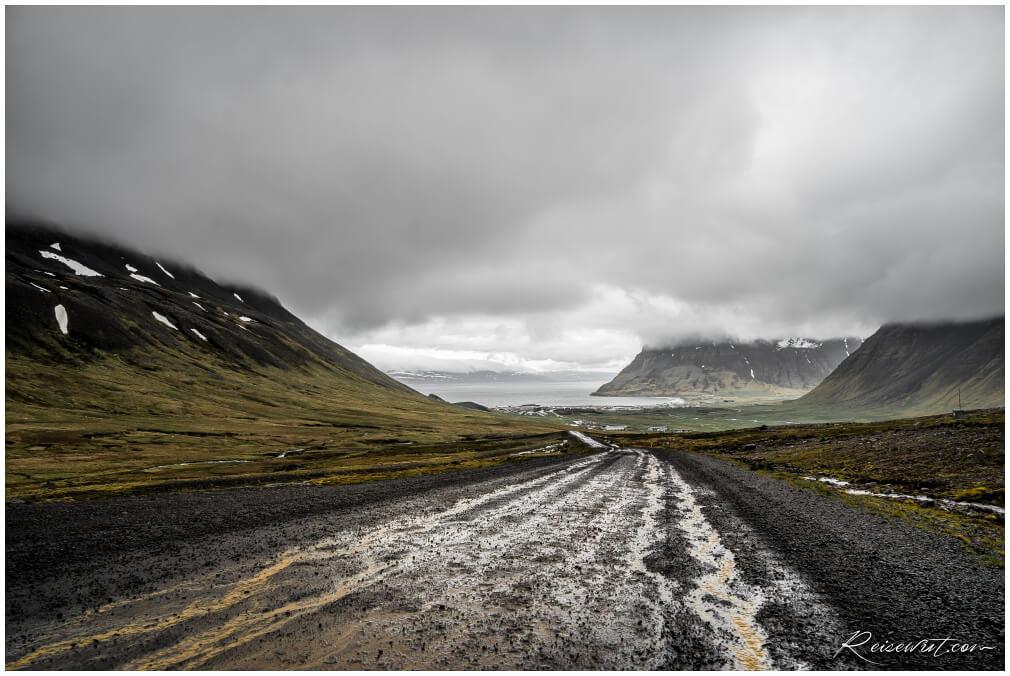 Die Straße, welche zum Bolafjall hoch führen würde
