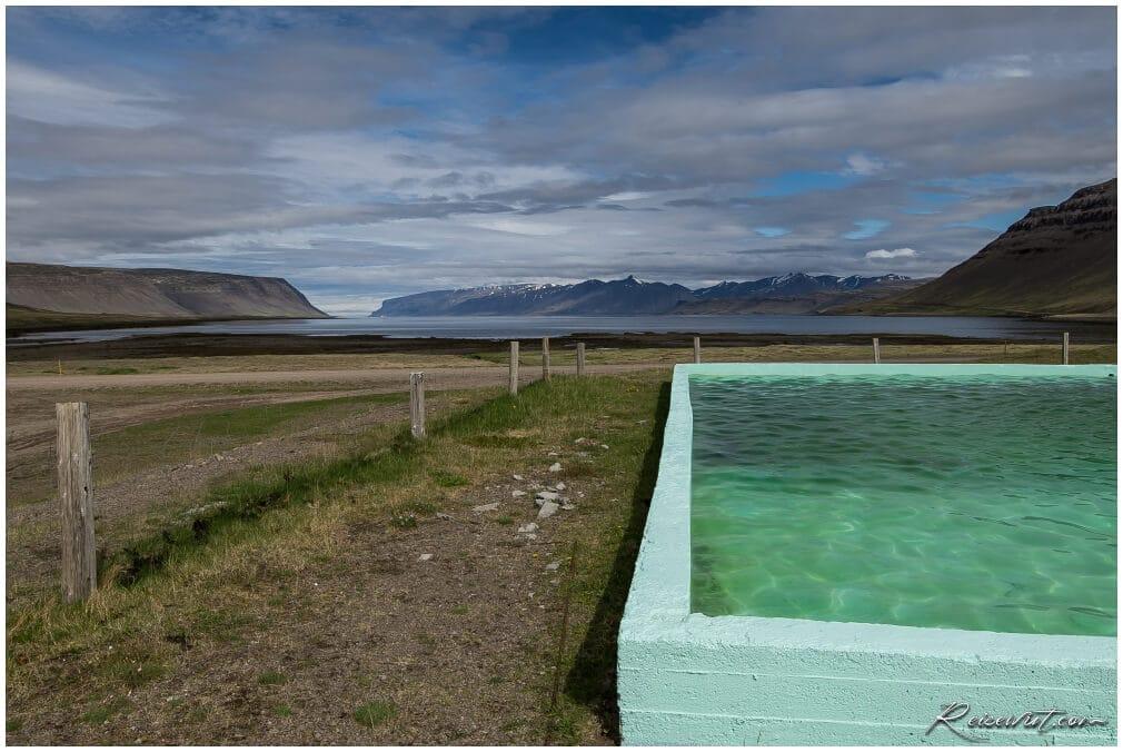 Der Reykjalaug ist vermutlich einer DER Pools mit der schönsten Aussicht überhaupt.Pool