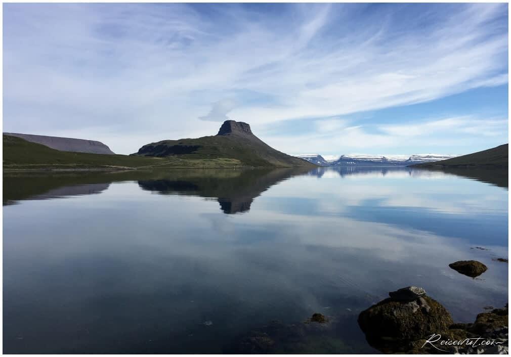 Spiegelglattes Wasser im Hestfjörður, einfach ein Traum