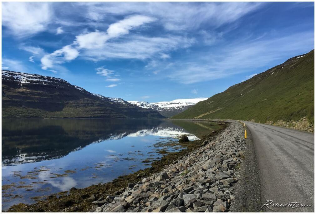 Bei traumhaften Wetterbedingungen ist der Hestfjörður einfach unbeschreiblich schön