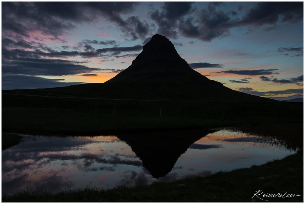 Der Kirkjufell kurz vor der Mitternachtssonne Anfang Juni