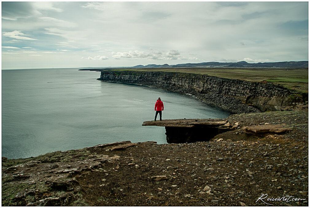 Krysuvikurberg Cliffs
