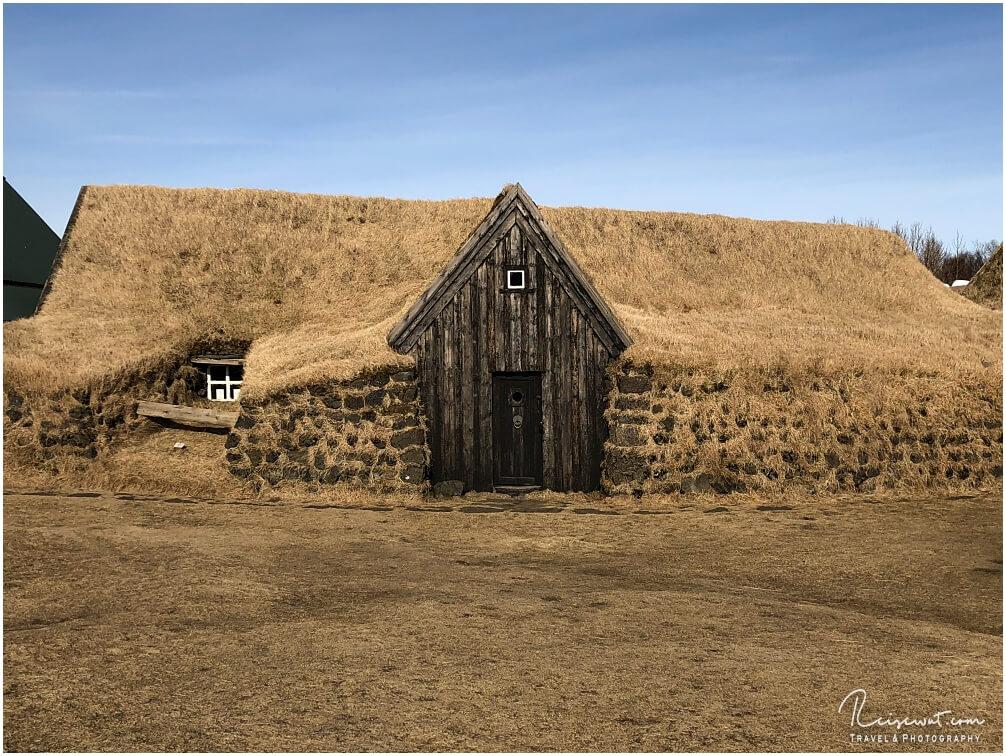 Keldur Turf House