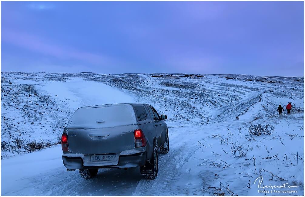 Der Versuch zum Aldeyjarfoss, am Rande des Hochlands, zu fahren scheitert im Winter selbst mit einem Toyota Hilux kläglich